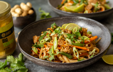 Recept - Pad Thai rezance s tempehom a čerstvou zeleninou
