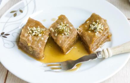 Recept - Pistáciová baklava s vlašskými orechami