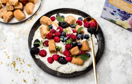 Recept - Dukátové buchtičky s proteínovým pudingom a lesným ovocím